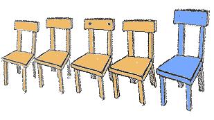 Stuhlreihe mit 'Quizsessel'