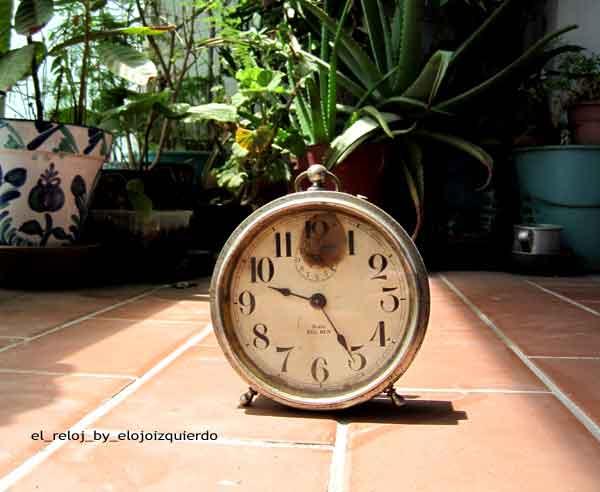 el_reloj_by_elojoizquierdo @ Deutsch am Strand · www.deviantart.com/elojoizquierdo