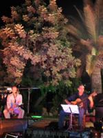 [concierto en el III Zoco Árabe Ibn-Al Baytar de Benalmádena Pueblo]