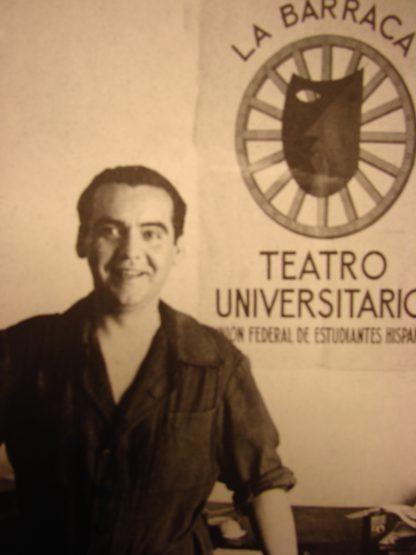 Federico García Lorca y el cartel de La Barraca